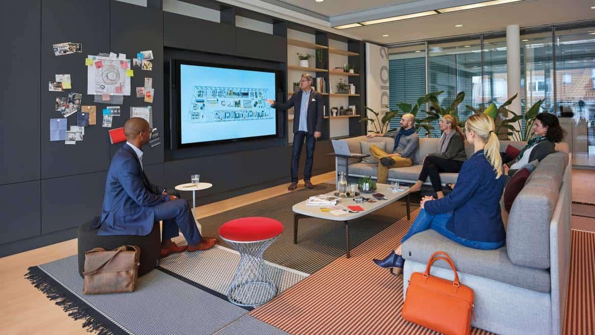 Virtuelle Erlebnistour zum Arbeitsplatz der Zukunft